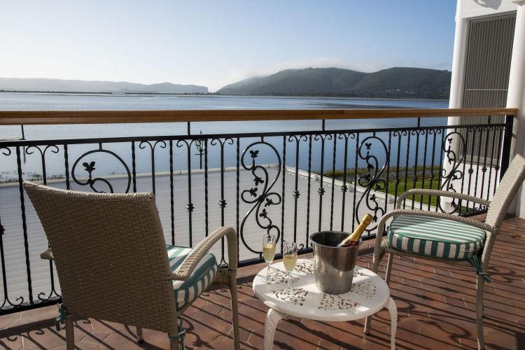 Suites with lagoon view, Knysna
